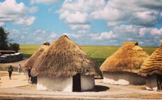 neolithic houses Stonehenge